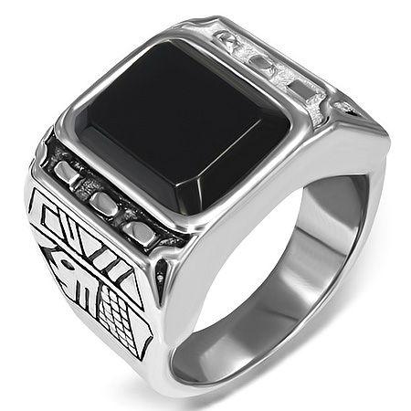 Перстень из ювелирной стали с ониксом